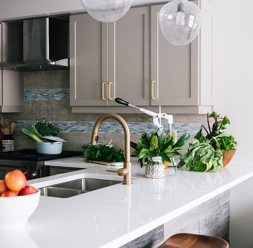 best color combination for small kitchens